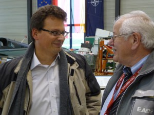 Bürgermeisterkandidat Michael Kornke im Gespräch mit Herbert Hauser